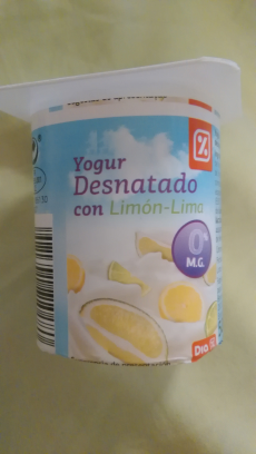 Yogur desnatado lima limón Día
