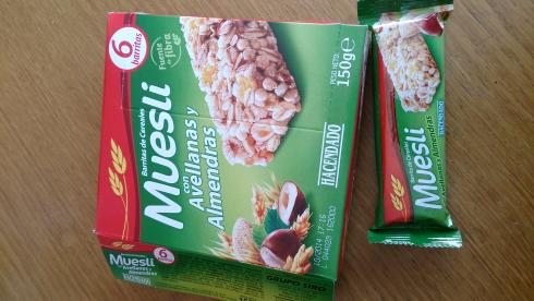Barritas de cereales muesli con avellanas y almendras marca Hacendado