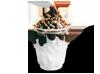Helado de nata con sirope de chocolate