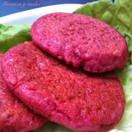 Hamburguesa de trigo y remolacha (hamburguesa rosa)