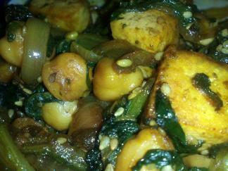 tofu con garbanzos y acelgas