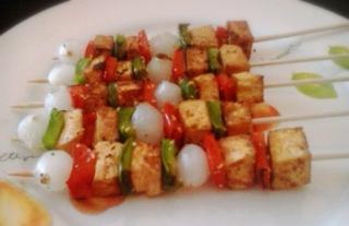 Brochetas de tofu a la plancha