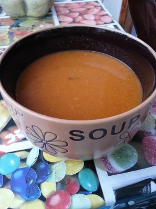 Sopa de tomate y zanahoria