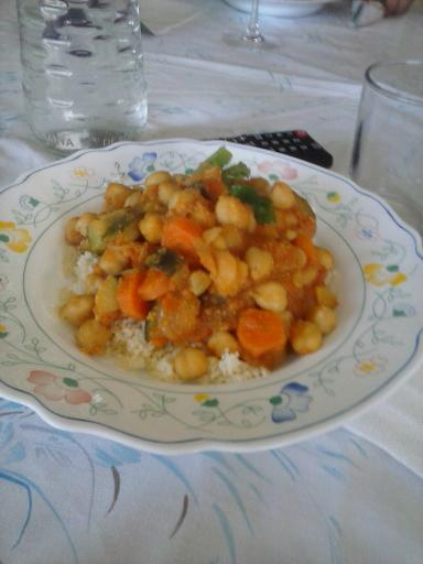 Cous cous con garbanzos al curry