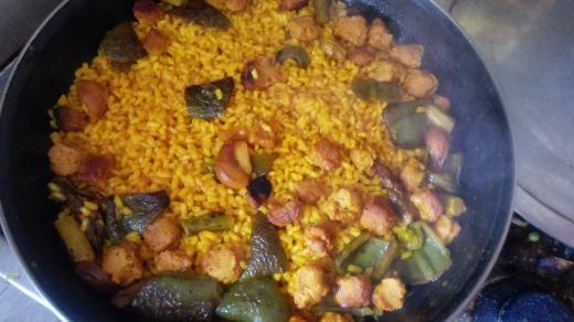 """Paella de """"magro"""" y verduras"""
