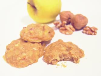 Galletas jugosas de nuez y manzana