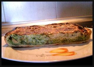 Quiche (tarta salada) vegana de puerro, brócoli y champiñones