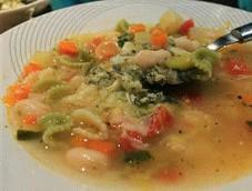 Sopa minestrone con judias
