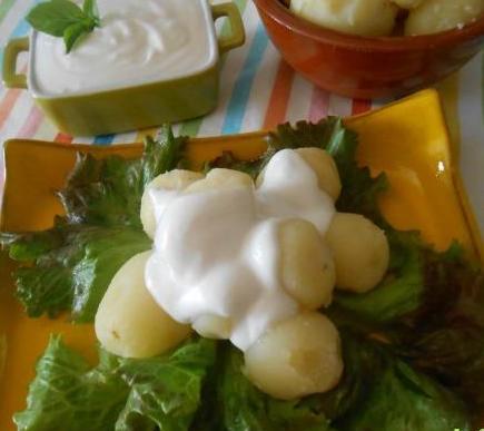 Patatas baby con alioli vegano