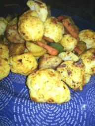 Coliflor especiada con patatas