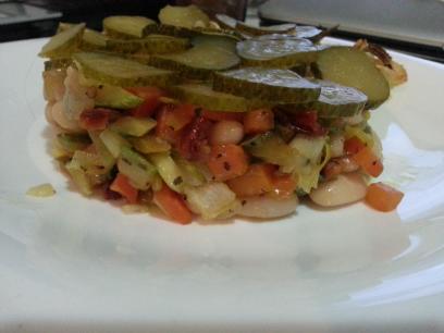 Ensalada de judías, sofrito y tomates secos