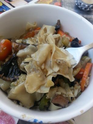Arroz con pasta china y setas