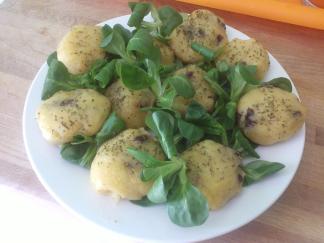 Bolitas de patata especiadas con tomates deshidratados