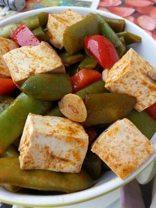 Judias verdes con tofu al pimentón