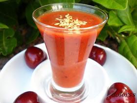 Chupito de gazpacho de tomate cherry y cereza