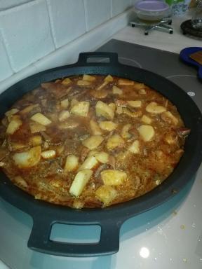 All i pebre de setas y patatas