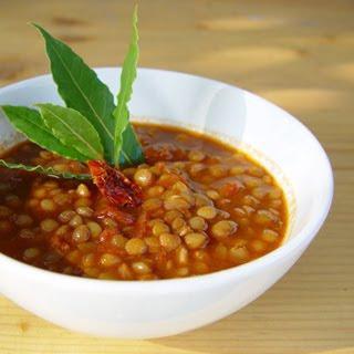 Sopa de lentejas al tomate