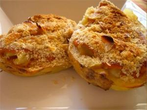 Patatas rellenas con salsa de verduras y soja texturizada