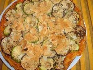 Pizza vegana de calabacín y berenjena