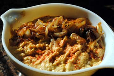 Hummus de cebolla caramelizada